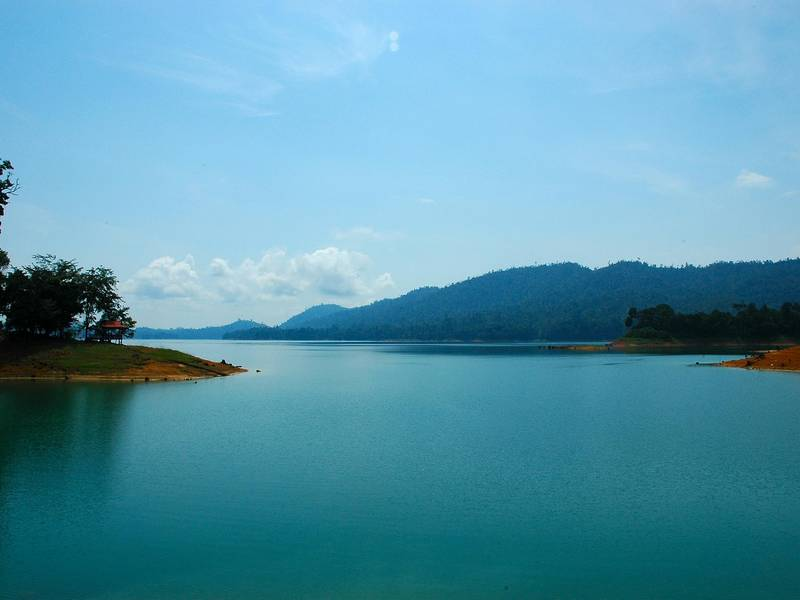 Lake Kenyir | Rama Tours