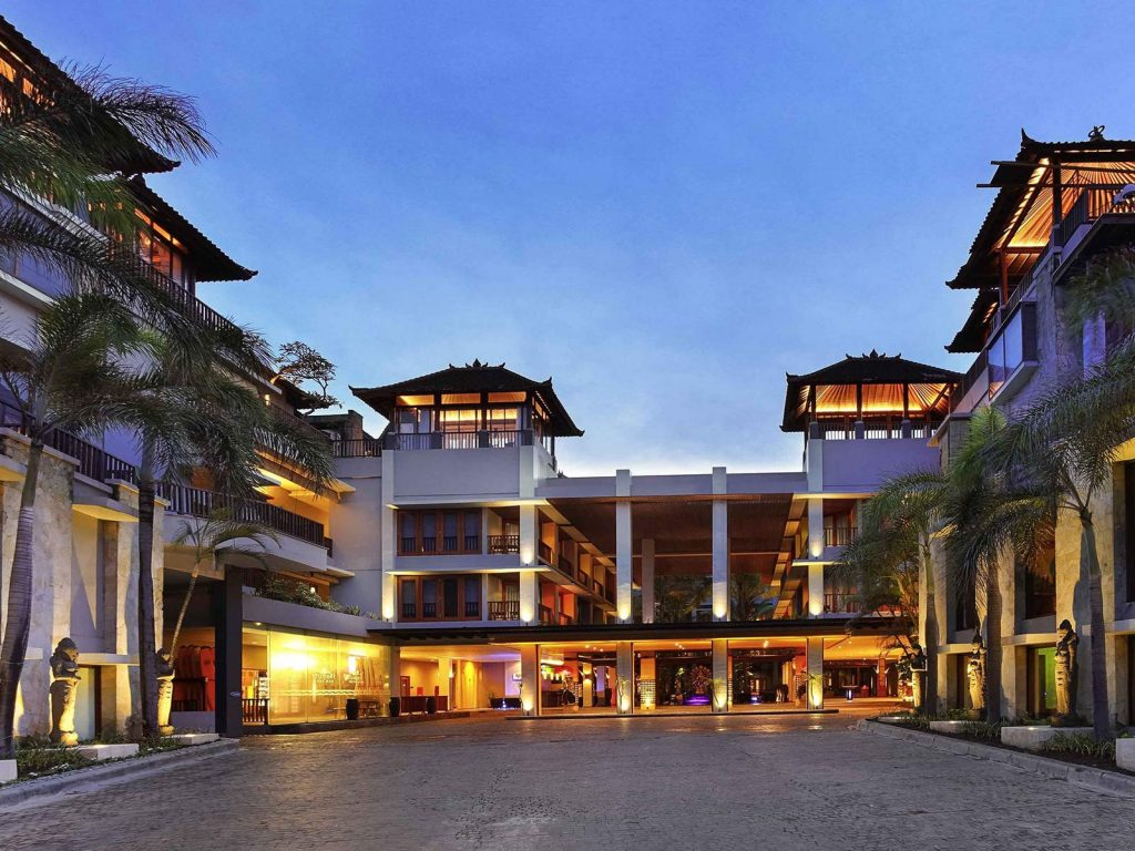 Kuta mercure kuta beach hotel in bali rama tours for Kuta beach hotel